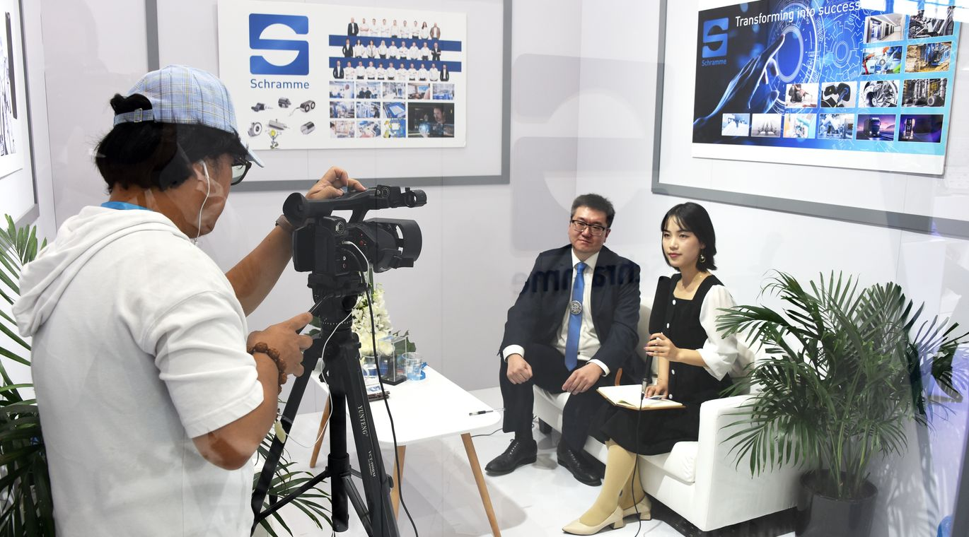 PTC-Asia-2019-Messe-tv-show-interview-Magnetbau_Schramme